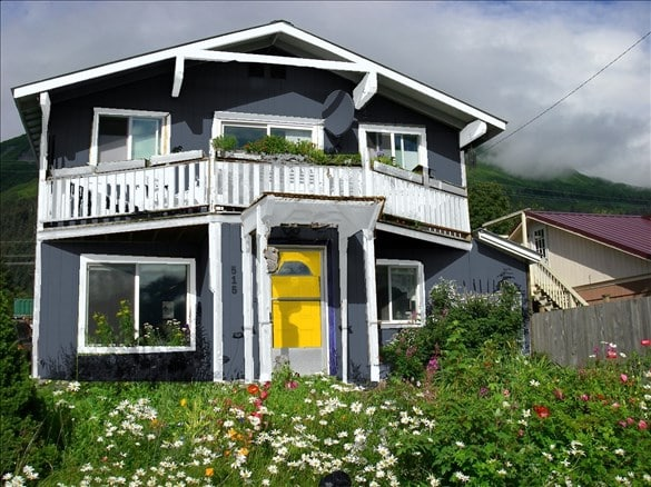 pick the perfect exterior paint colors